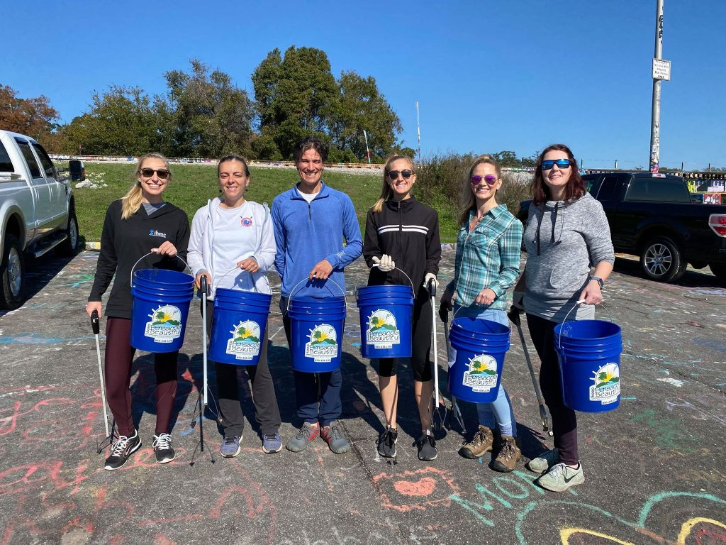 20191215_MeredithForRealCleanup_VolunteerGroupPiciture